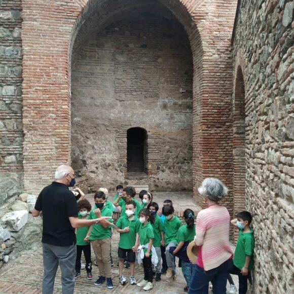 Visita a la Alcazaba, alumnado de Primer Ciclo
